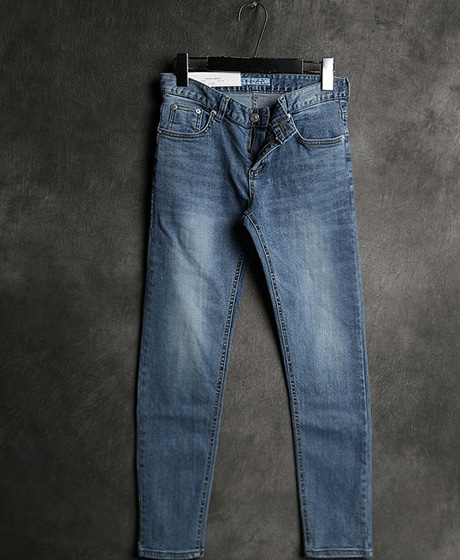 P-5671VINTAGE SLIM DENIM PANTSColor : 1 colorMaterial : cotton/ella