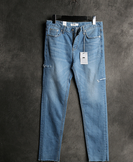 P-5898DAMAGED WASHING DENIM PANTSColor : 1 colorMaterial : denim