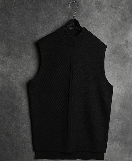 T-10845INCISION KNIT VEST절개 니트 조끼Color : 1 colorMaterial : sweater