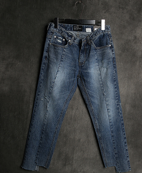 P-7864INCISION PATTERN DENIM PANTS절개 패턴 데님 팬츠Color : 1 colorMaterial : denim
