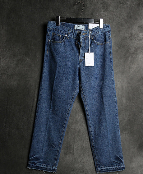 P-7969WRINKLE DENIM PANTS주름 데님 팬츠Color : 1 colorMaterial : denim